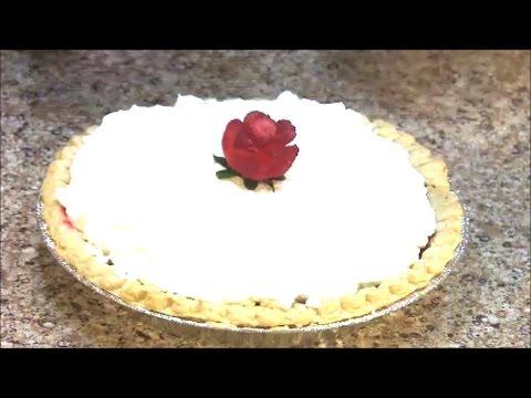 Fresh Strawberry Pie with Strawberry Rose