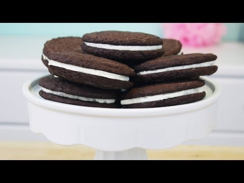 How to Make Homemade Oreo Cookies!