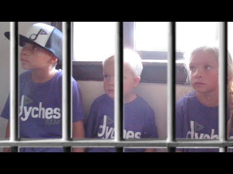 👦👧KIDS THROWN IN JAIL🚔👮 | CARTHAGE JAIL | ILLINOIS | DYCHES FAM