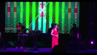 "Jyotica energetic entry with ""Kamli"" song performance"