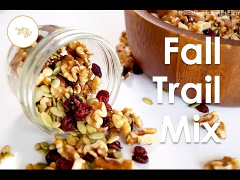 Fall Recipes: Walnut Cranberry Trail Mix | Quick Healthy Snack Ideas | Healthy Grocery Girl