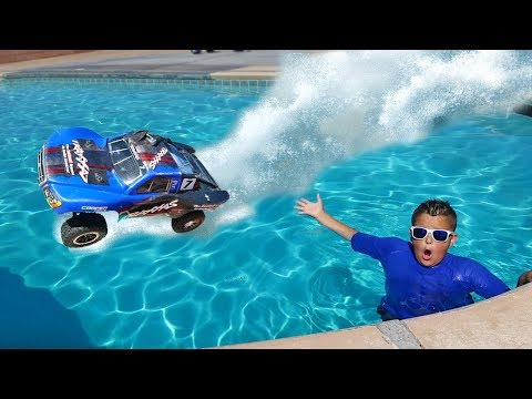 RC Car Driving On Water Adventure!!
