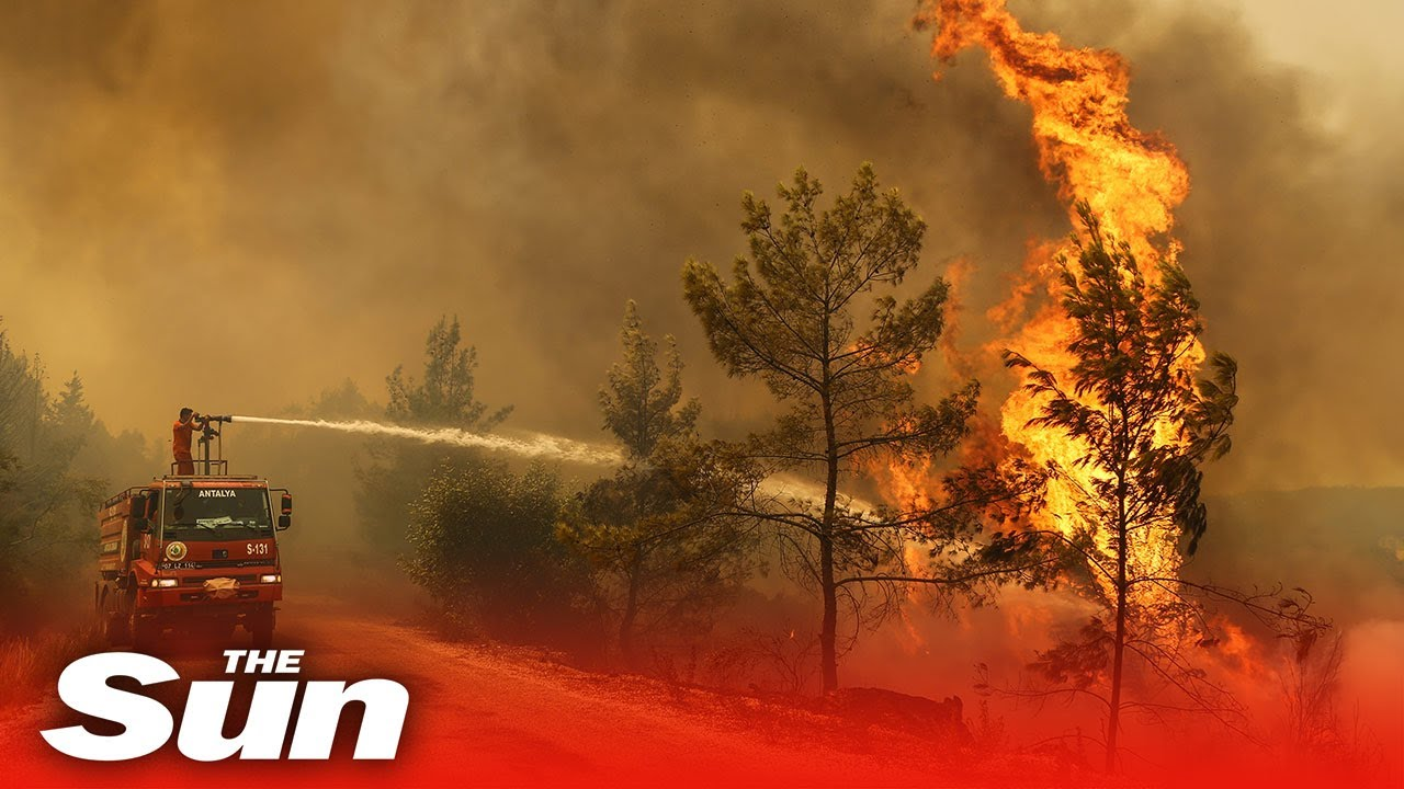 Fire crews continue to tackle wildfires in Turkey as death toll reaches 4