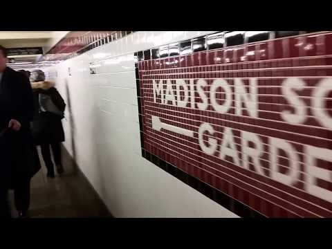 E Subway Train RUSH HOUR icy clog show at Penn Station has NO WiFi