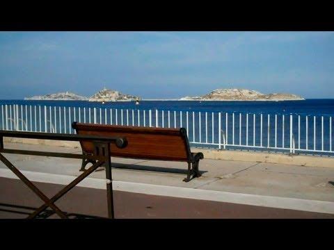 How to drive in France. Marseille La Corniche.