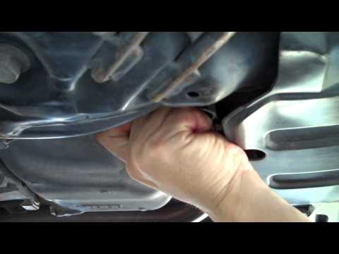 Honda Civic oil change and transmission fluid change 2006-2011