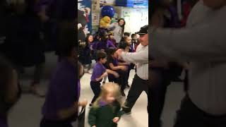 Do the Sean Payton dance: Kindergarteners get down