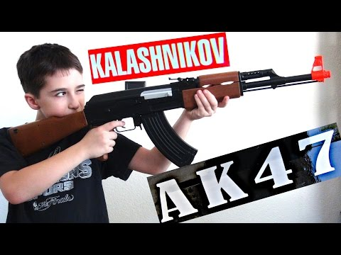 Kalashnikov AK-47 FPS-177 Electric Airsoft with Robert-Andre!