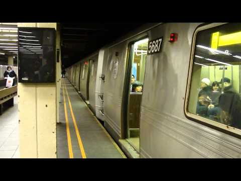 BMT Broadway Line: R46 R Train at 57th St-7th Ave (Queens Bound Weekend)