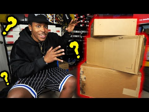 UNBOXING A TON OF NEW SH*T! OVER 10 NEW PAIRS OF SNEAKERS WITH A SPECIAL SURPRISE  INSIDE...