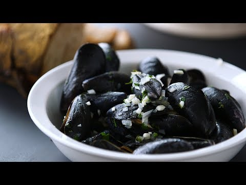 Mussels 101- Kitchen Conundrums with Thomas Joseph