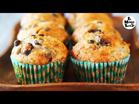 How to Make Banana and Chocolate Chip Muffins | El Mundo Eats recipe #9