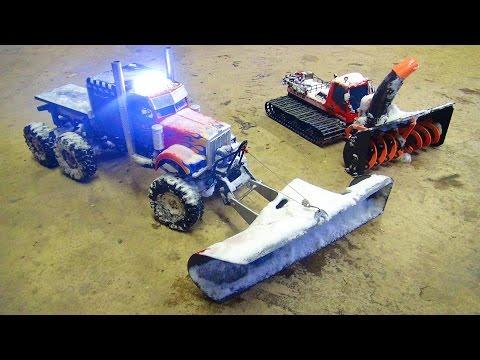 RC ADVENTURES - SNOW MACHiNES DOiNG WORK - OPTiMUS & BLiZZARD - Plow & Snow Blower