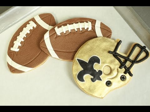 SUPER BOWL Football Cookies (how-to)