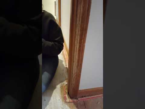 Repairing scratches in wood trim - restoring finish with Howard Restor-A-Finish