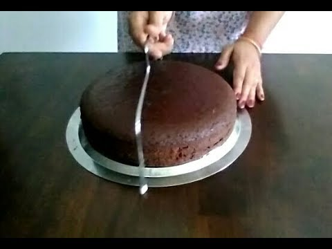 Learn how to cut the cake layer with Cake leveler