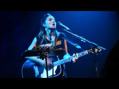KT Tunstall   SOLO   Fade Like a Shadow   Vancouver 05 06 11