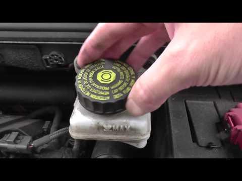 Peugeot 308 Brake Fluid Top Up Location Video