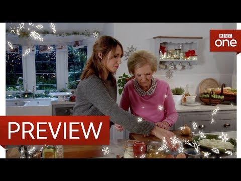 Alex Jones cooks for Mary Berry - Mary Berry's Christmas Party: Preview  - BBC One