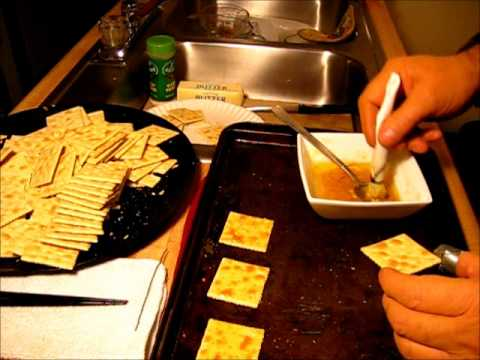 how to make Garlic Flavored Crackers / easy recipe