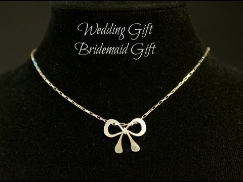 How to make your own wedding gifts bridemaids gifts parties gifts - sweet silver bow necklaces
