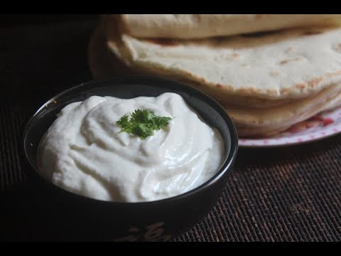 TOUM RECIPE – HOW TO MAKE FLUFFY GARLIC SAUCE