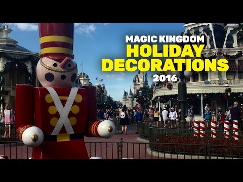 Holiday Decorations in the Magic Kingdom 2016