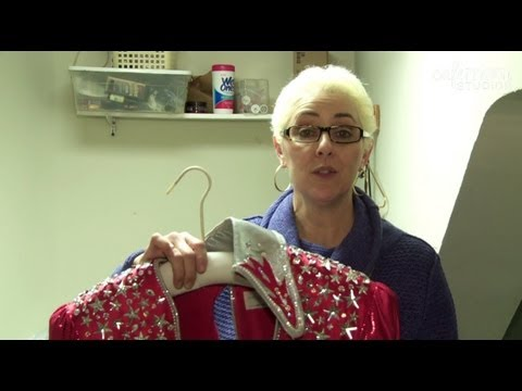 Backstage at Mamma Mia! with Irene Bunis - On Broadway with Kids - Episode 8