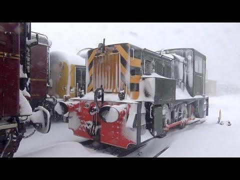 Blizzard blasts Bo'ness railway
