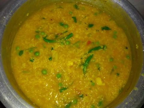 My Mom's Masala Khichdi - vegetable masala khichdi recipe - Veg Recipes