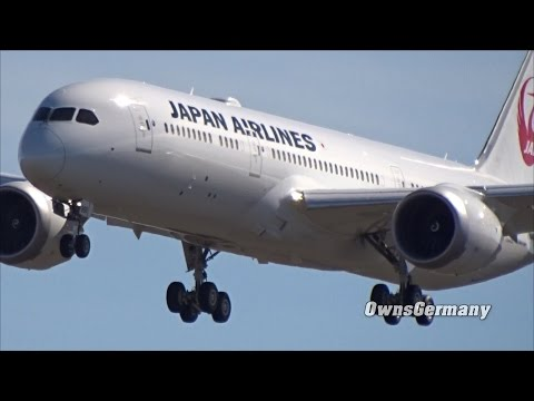 Japan AirLines Boeing 787-9 JA868J 1st Flight Faces Heavy Winds