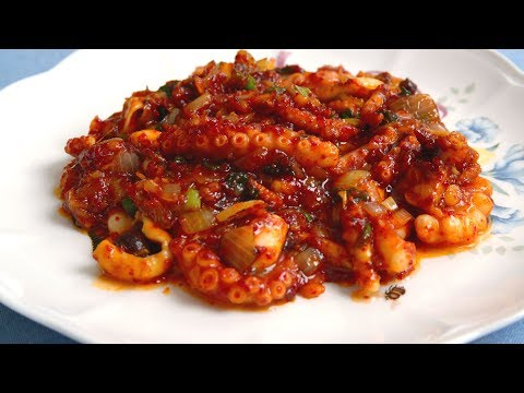 Spicy stir-fried octopus (Nakji-bokkeum: 낙지볶음)
