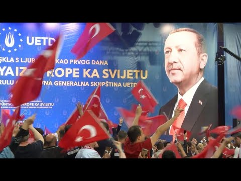 Lira in spotlight as Turkish election campaign rolls on