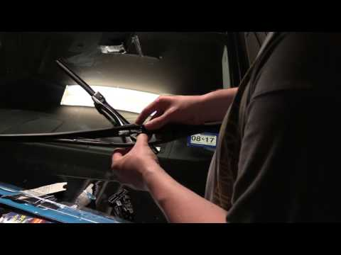 How To Change Windshield Wiper Blades 2014 BMW 550i