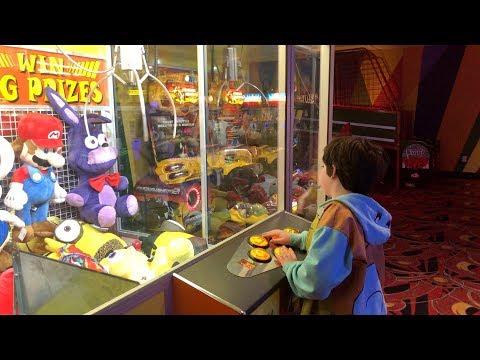 Giant toy crane game!