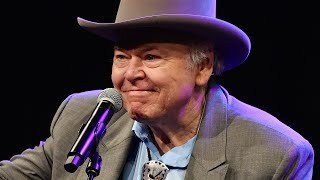 Roy Clark, Country Music Legend & 'Hee Haw' Co-Host, Dies At 85 | Access