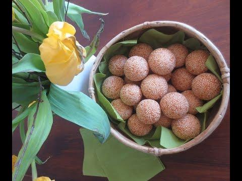Sesame Balls with Mung Bean/ Sesambällchen gefüllt mit Mungobohnen/ Banh Cam Luc Lac