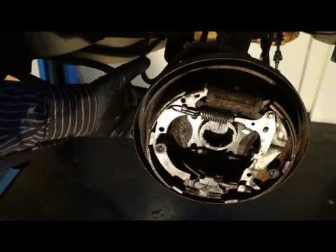 How to replace rear brake shoes Toyota Camry. Years 1990 to 2000