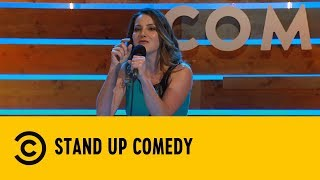 Stand Up Comedy: La cattiveria gratuita delle scuole medie - Chiara Becchimanzi