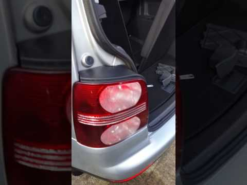 How to remove back light vw touran 2008