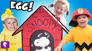 SNOOPYS GIANT Dog House Egg: The PEANUTS Movie Toys with HobbyKids