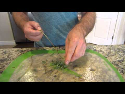 How to prepare fresh lavender for cooking