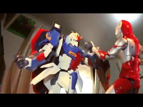 STOP MOTION ANIMATION: Ultraman vs Zeta Gundam