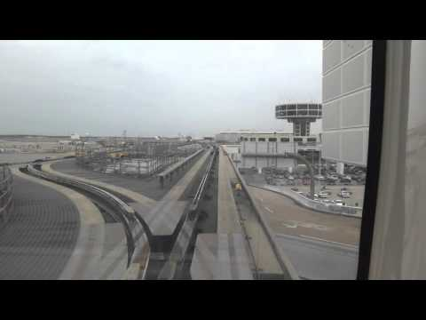 Riding the Skyway @ Houston George Bush Intercontinental (IAH) Airport from Terminal A to D/E