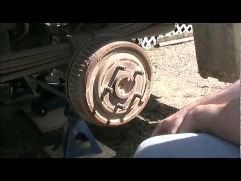 Rear Drum Brake Inspection DIY - 1998 Chevy Silverado