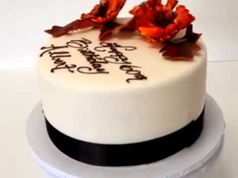 How to make cake Sugar flowers on a cake covered in fondant