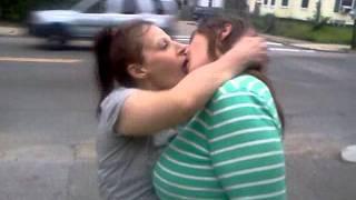 Skizz banga tv  feans kissing lol hmf baby