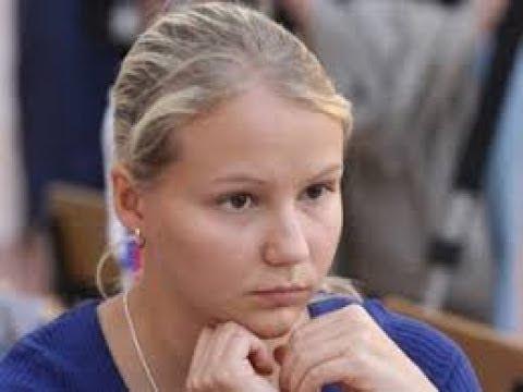 Valentina Gunina crushes Nigel Short in 28 moves ( Alekhine defense)2018