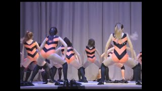 Russian Girls Twerking In The Winnie The Pooh Outfits