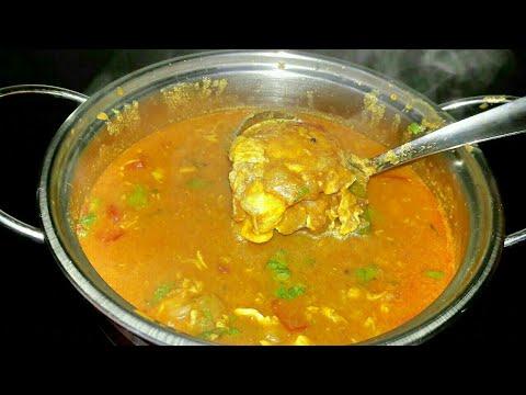 Muttai Kuzhambu/Egg Curry/Pouched Egg Curry/ உடைத்த முட்டை குழம்பு